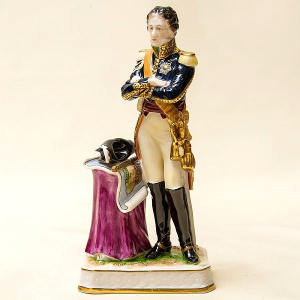 Редкость! Фарфоровая статуэтка «Генерал Армии Наполеона» RUDOLF KAMMER Германия -1961 год..