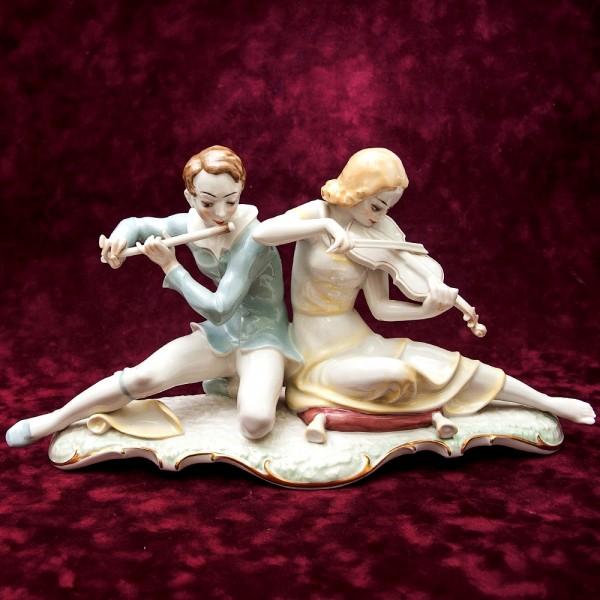 Авторская Фарфоровая статуэтка «СОНАТА, МУЗЫКАЛЬНЫЙ ДУЭТ» Hutschenreuther, Германия.