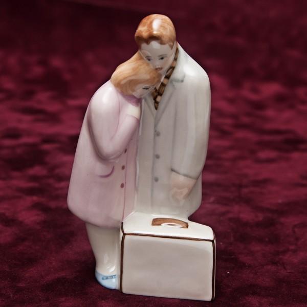 Фарфоровая статуэтка «Расставание» - скульптор Ю.М.Львов. СССР - ПФЗ Песочное - 1964 год.