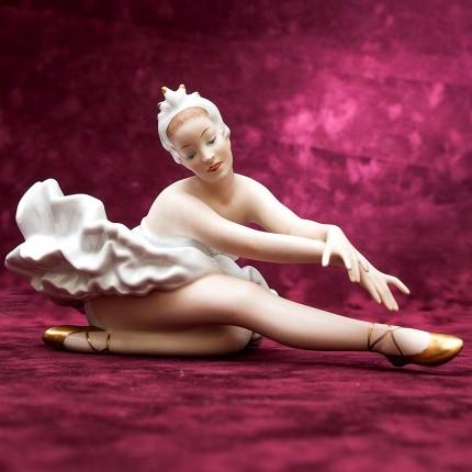 Фарфоровая статуэтка «Балерина. Анна Павлова» Н-14 см. ВАЛЕНДОРФ - WALLENDORF  Германия.
