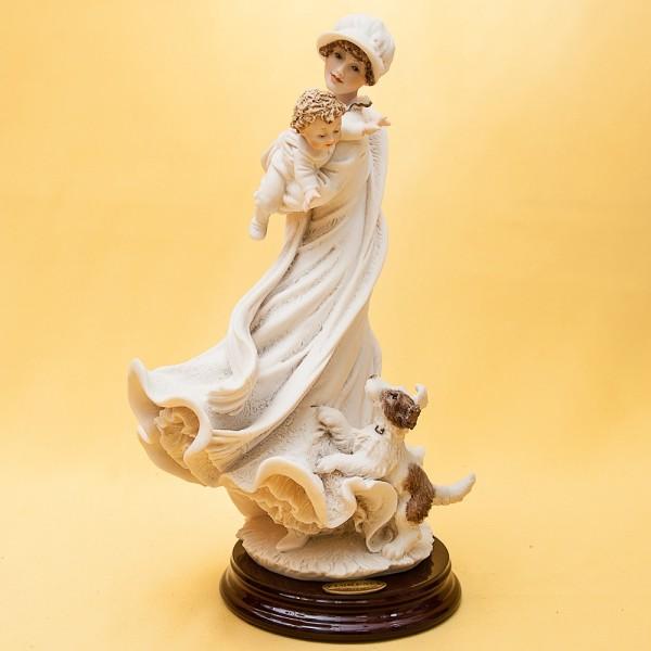 Коллекционная Статуэтка «Материнство» Giuseppe ARMANI, Италия -1997 год.