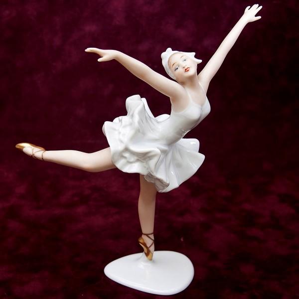 Фарфоровая статуэтка «Балерина. Арабеск»  ВАЛЕНДОРФ - WALLENDORF Германия -1963 год.