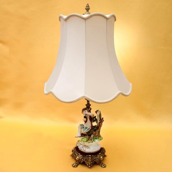 Электрическая Лампа - Светильник - Статуэтка «Мальчик с дудочкой» Фарфор Испания.
