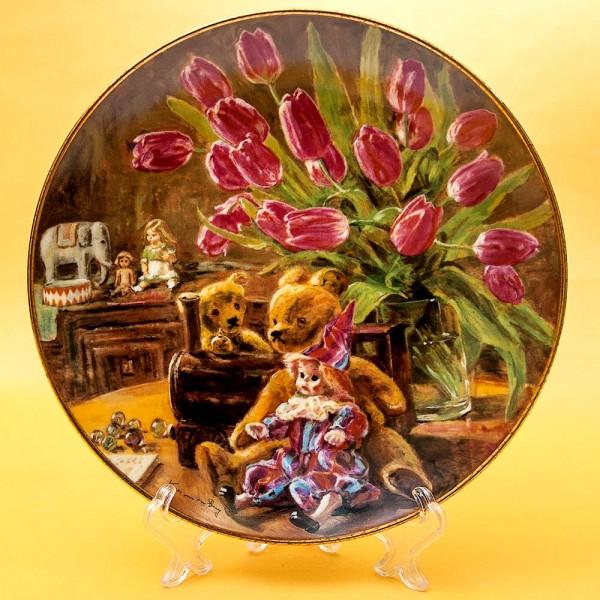 Коллекционная Номерная Тарелка «Натюрморт с игрушками» Фарфор, Royal MOSA, Голландия -1988 год.