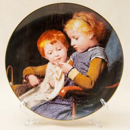 Коллекционная Тарелка «Маленькие вязальщицы» серия «Детские портреты» Швейцария -1990г.