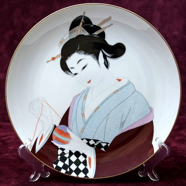 Коллекционная Тарелка «Девушка с клубочком» Фарфор Saji, Япония, 1960 год.
