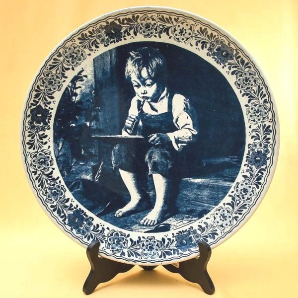 Декоративная Фарфоровая Тарелка - Блюдо «Маленький поэт» Голландия DELFTs . d -33 см.