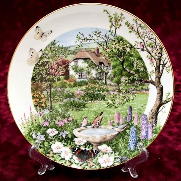 Коллекционная Тарелка «Июнь» Фарфор, ROYAL WORCHESTER, Англия -1979 год.