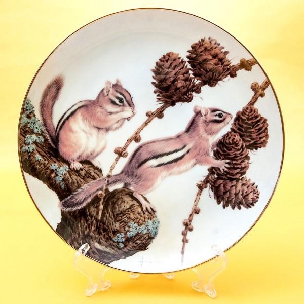 Коллекционная Тарелка «Лесной Год - СЕНТЯБРЬ» Фарфор, Studio Fine Porcelaine Англия -1982 год.