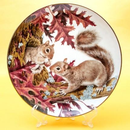 Коллекционная Тарелка «Лесной Год - ОКТЯБРЬ» Фарфор, Studio Fine Porcelaine Англия -1982 год.