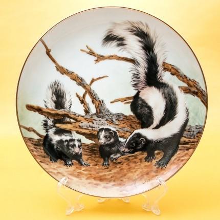 Коллекционная Тарелка «Лесной Год - АПРЕЛЬ» Фарфор, Studio Fine Porcelaine Англия -1982 год.