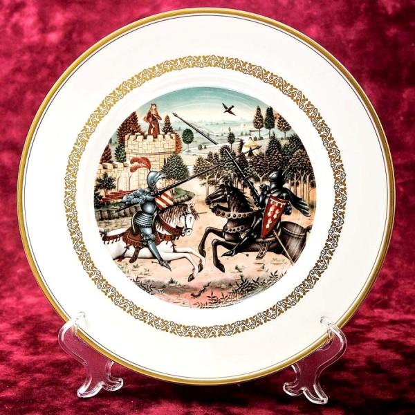 Коллекционная Тарелка - Блюдо «Ланцелот спасает Гвиневеру» Фарфор, Royal Worchester - Англия.