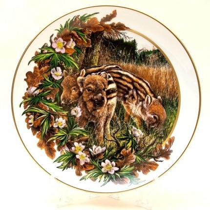 Коллекционная Декоративная Тарелка «Кабанята» Фарфор, D-23,5 см. Германия -1982 год.
