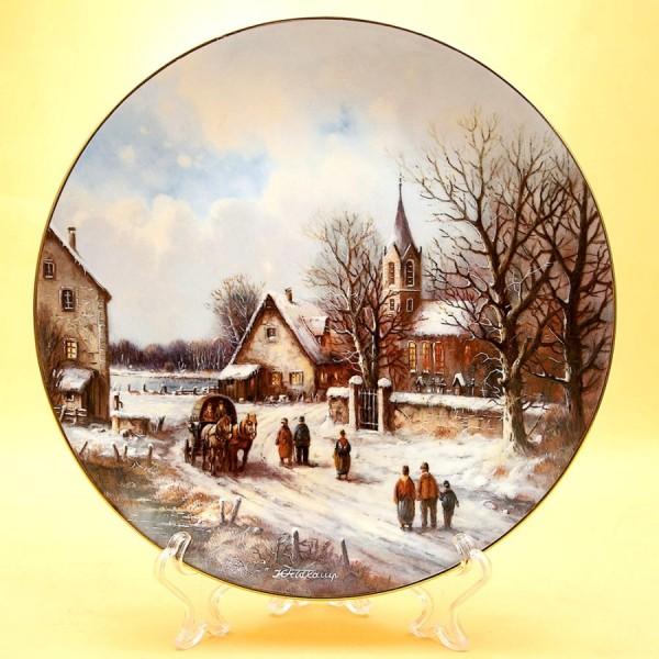Коллекционная Тарелка «Деревня на озере» из серии «Рождественские Гуляния» Фарфор, Германия -1991 год.