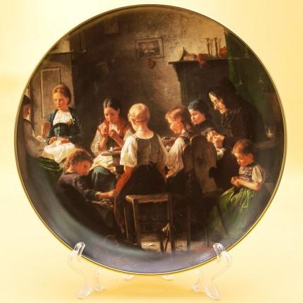 Коллекционная Тарелка «За шитьем» Фарфор, Хучеройтер - Hutschenreuther, Германия.