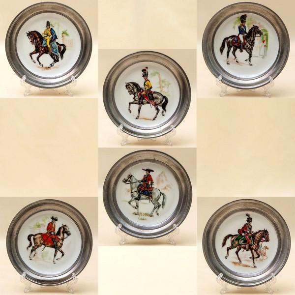 Набор Декоративных Коллекционных Тарелочек «Солдаты - Всадники» Фарфор Германия.
