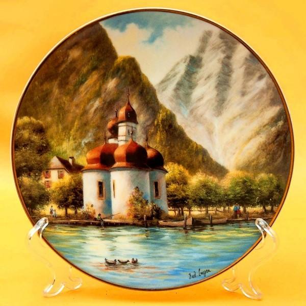 Коллекционная Тарелка «Часовня на озере» Фарфор SCHIRNDING Bavaria, Германия -1994 год.