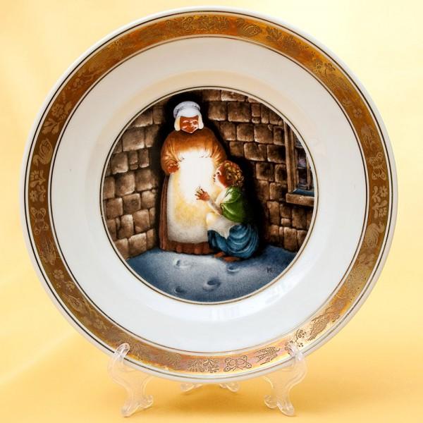 Коллекционная Тарелка «Сказки - Маленькая девочка со спичками» Фарфор, ROYAL COPENHAGEN - Дания.