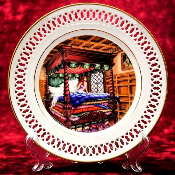 Коллекционная Тарелка «Сказки - Принцесса на горошине» Фарфор, B&G Copenhagen - Дания.