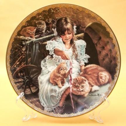 Коллекционная Тарелка «Моменты Забавы» Фарфор RECO США -1995 год.