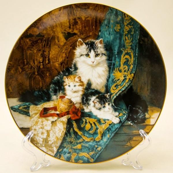 Коллекционная Тарелка «Викторианские кошки» - «Совершенный баланс» Фарфор США -1992 год.