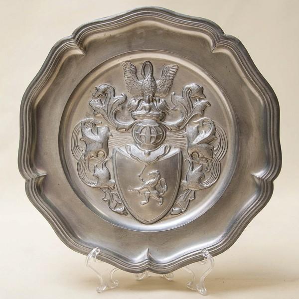 Настенная Оловянная Тарелка - Блюдо «Охота - Герб» D - 23 см. Германия.