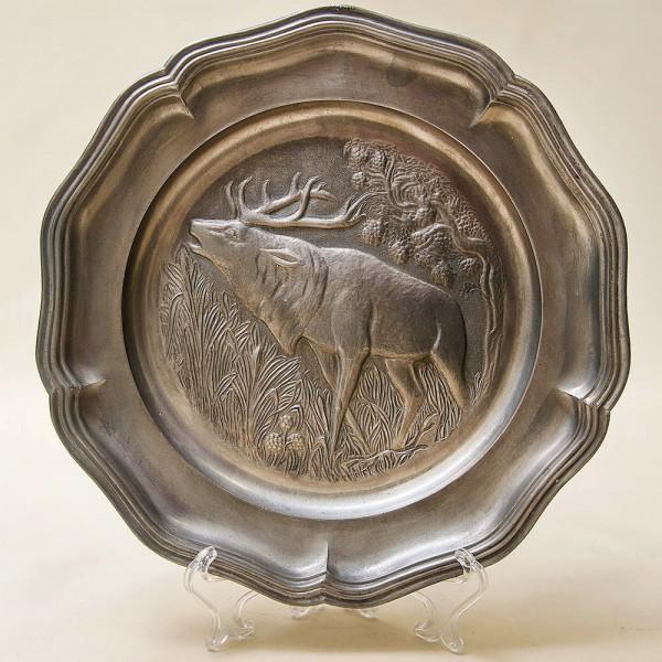 Настенная Оловянная Тарелка - Блюдо «Охота - Большой Олень» D - 22,5 см. Германия.