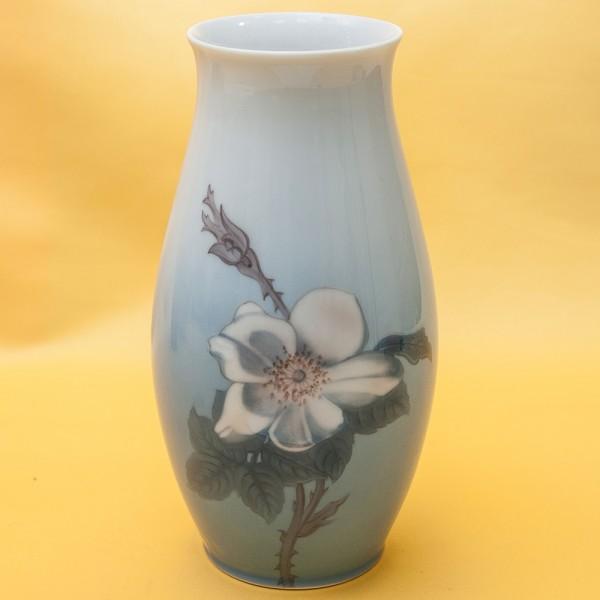 Фарфоровая Ваза «Цветы Шиповника», B&G Copenhagen Porcelain, Дания - 1962-1970гг.