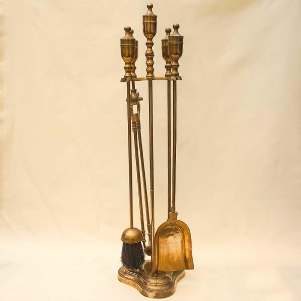 Набор Инструментальных Принадлежностей  для Камина или Печи, на Подставке. Англия.